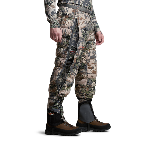 Kelvin Lite Down Pant Open Country on model side.